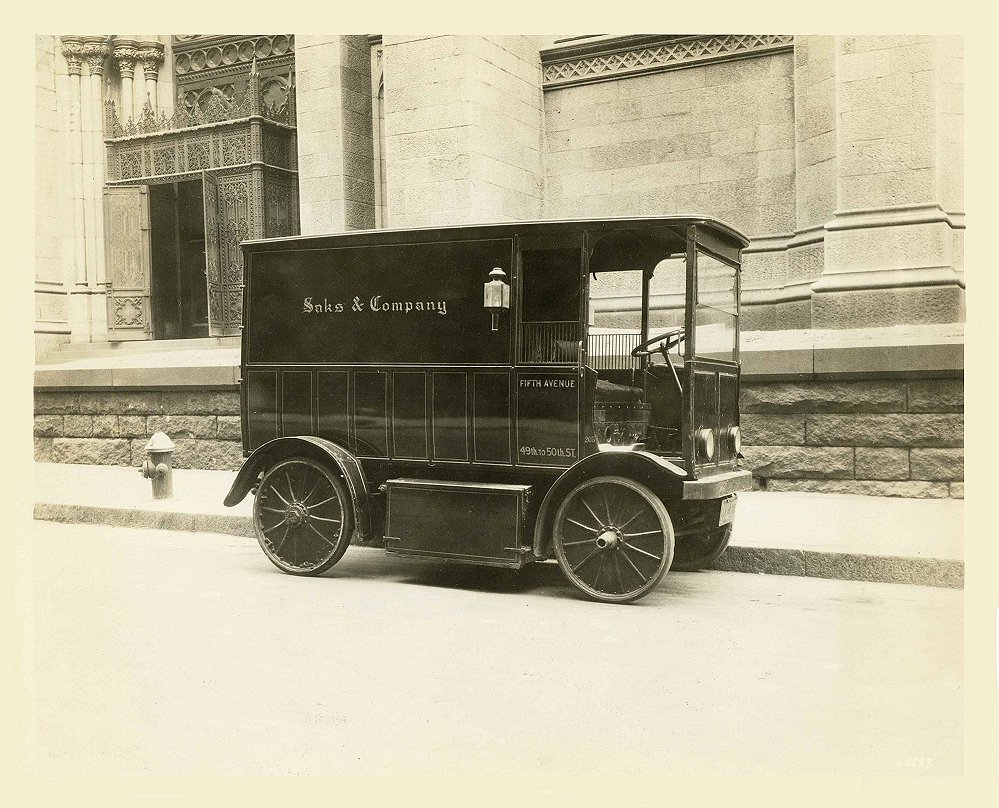 1912 ca. BAKER Electric Delivery Wagon Typical electric delivery wagon Saks & Company New York City Real photograph 10″x8″ CULVER PICTURES, INC. New York, New York