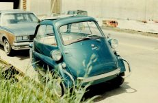 1990 6 10 Isetta 300 at the VW Bug-In At Westside Volkswagon Minneapolis, MN Sunday June 10, 1990 4″x6″ Snapshot