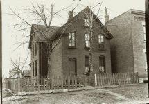A brick house. EW Carter photo ca. 1900 Glass negative: 7″x5″