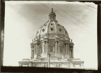 The NEW Minnesota Capitol dome. EW Carter photo ca. 1905 Glass negative: 7″x5″