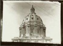 The NEW Minnesota Capitol dome. EW Carter photo ca. 1905 Glass negative: 7″x5″