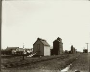 "Railroad siding One building has""Theo Hamm's Excelsior Brewing Co"" on the side. EW Carter photo ca. 1900 Glass negative: 10″x8″"