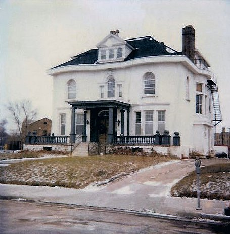 Hinkle-Murphy House, 1886 619 South 10th Street Minneapolis, Minnesota Architect: William Channing Whitney Exterior: Looking from South 10th Street CDT Polaroid: March 8, 1983