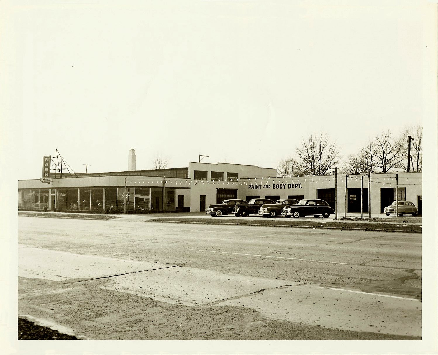 Livernois Company NASH Automobile Dealership Detroit, Michigan ca. 1948-49 10″x8″ Black & White photograph