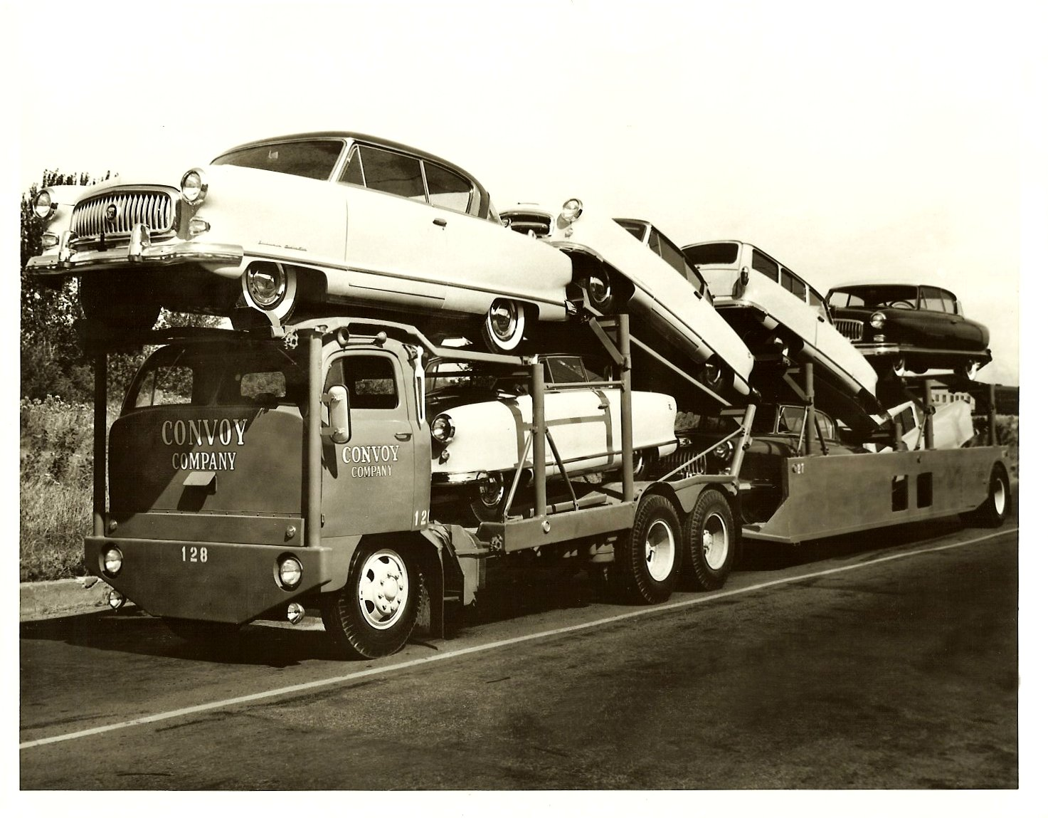 1952 NASH automobiles on a CONVOY Company Auto Trailer Truck 10″x8″ Black & White photograph