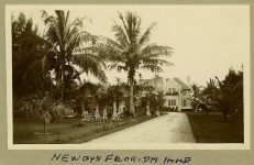 1905 ca. Arthur C. Newby's home in Florida One of the primary National founders Test Family snapshot ca. 1905 5″x3″