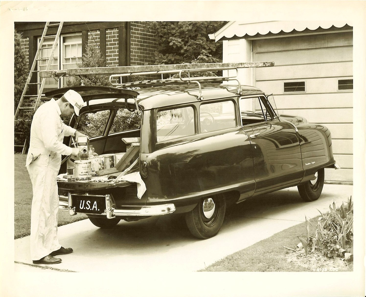 1952 NASH Rambler Deliveryman (2-Door Wagon) View from rear. 10″x8″ Black & White photograph H-6193-2GC