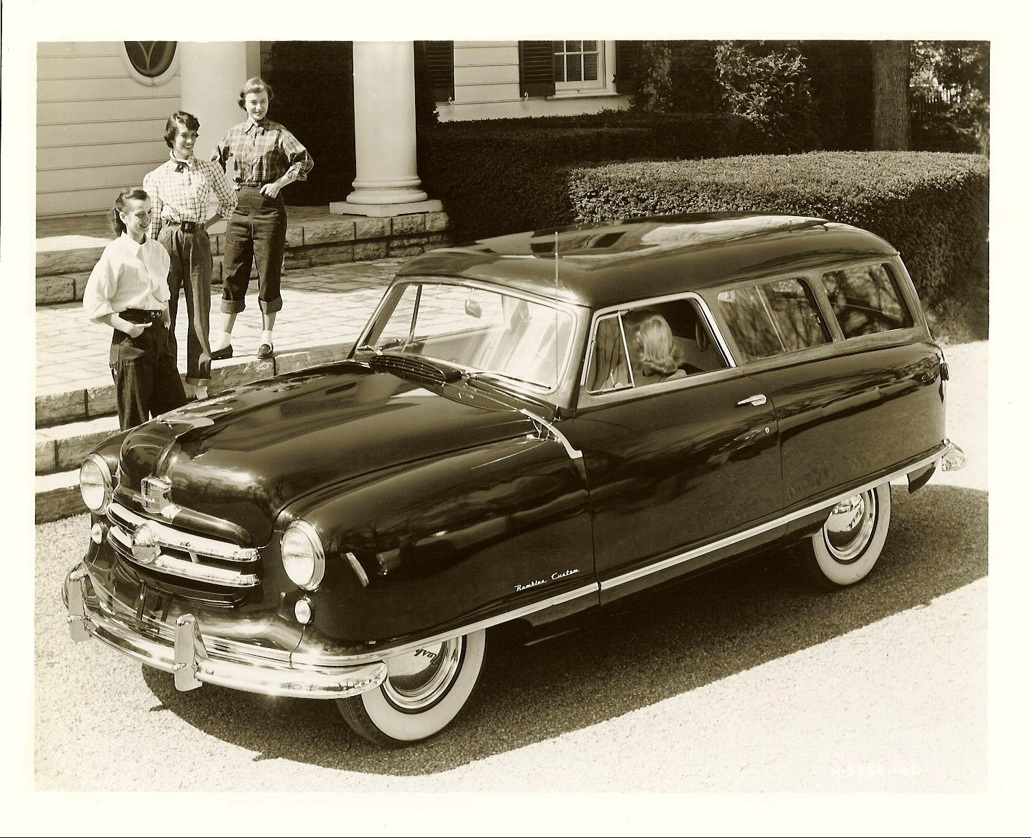 1951 NASH Rambler Custom Station Wagon Note: 1951 Flying Lady Hood Ornament 10″x8″ Black & White photograph H-5956-10C