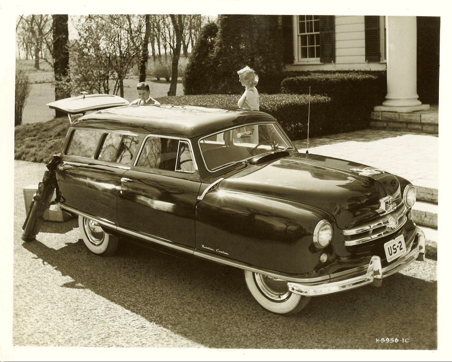 1951 NASH Rambler Custom Station Wagon Note: 1951 Flying Lady Hood Ornament 10″x8″ Black & White photograph H-5956-1C