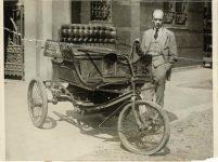 1924 9 24 3-WHEELER PHOTOGRAPH FROM WIDE WORLD PRESS September 24, 19248″×6″ Front
