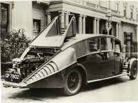1931 ODD THE PRINCE OF WALES USES A TEMPORARY CAR UNTIL HIS OWN IS DELIVERED THE 22-HORSEPOWER BURNEY STREAMLINED CAR 1931 Front