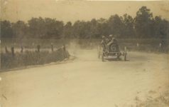 1909 ADOPH MONSEN DRIVER GILL ANDERSON MECHANIC MARION RACE CAR ROUNDING HAIR PIN TURN 1909 CROWN POINT RACE