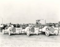 1913 Indianapolis 500 L R STUTZ Charlie Merz Gil Anderson Don Herr STUTZ HH COBURN CO Indianapolis Ind 2 10×8 photograph front up