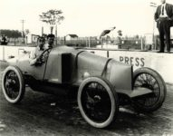 1914 Hughie Hughes not in Indy 500 10×8 photograph front