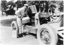 1920 ca. LEXINGTON Car No. 7 oil filling AC