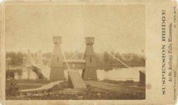 1863 ca. CDV SUSPENSION BRIDGE At St. Anthonys Falls, Minnesota WHITNEY'S GALLERY ST. PAUL MINN 4″×2.25″ photo front