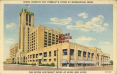 1940 ca. SEARS-ROBUCK AND COMPANYS STORE AT MINNEAPOLIS, MINN 1B-H1326 postcard front