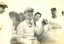 1915 ca. Race car driver drinking a soda 6.75″×4.5″ Photo front