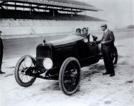 1916 ca HUDSON Ralph Mulford 975×775 RUDGE wheel