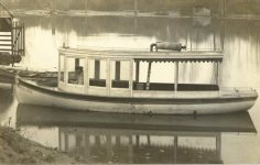 1908 12 6 Snohomish, WASH hunting boat RPPC front