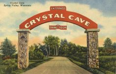 CRYSTAL CAVE Spring Valley, WISCONSIN postcard front