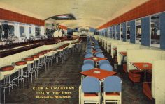 1940 ca. WIS, Milwaukee CLUB MILWAUKEAN postcard front