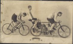 1901 Tandem ORIENT Motorcycle Will C. Stinson 40 Mile an Hour Man Worlds Hour Record Holder Photo eby Horner Boston 11.5″×6.75″ UN-rtouched photo